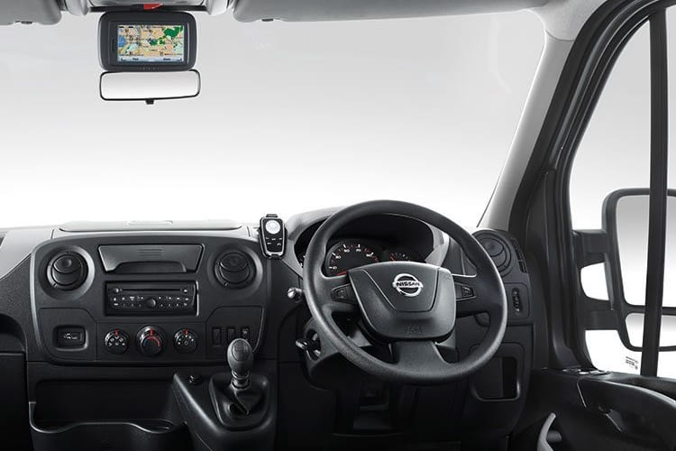 Nissan NV400 L3 35 FWD 2.3 dCi FWD 135PS Acenta Chassis Cab Manual inside view